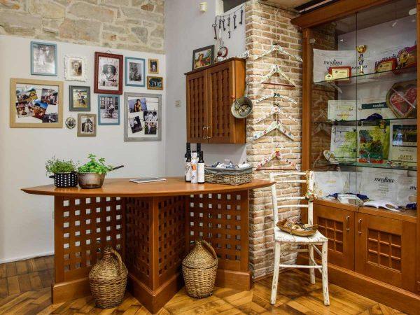 olive-oil-shop-1